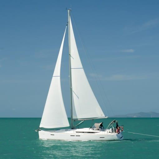 LeiZar on the water