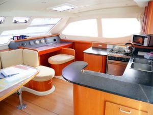two-keel-a-saloon-3