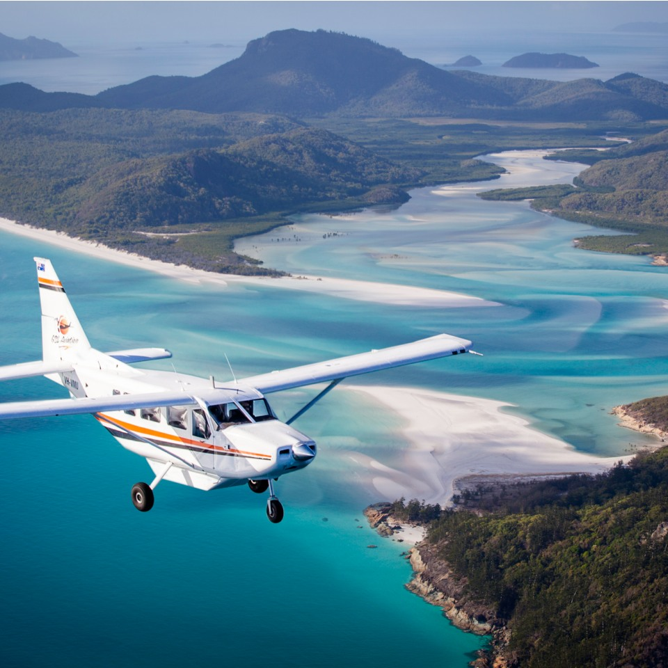 WHITEHAVEN BEACH SCENIC FLIGHT